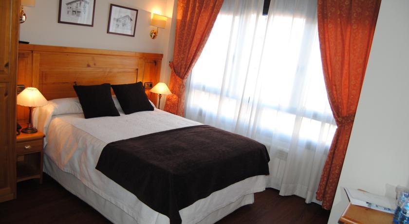 r servez l 39 h tel hotel meta au pas de la case en andorre. Black Bedroom Furniture Sets. Home Design Ideas