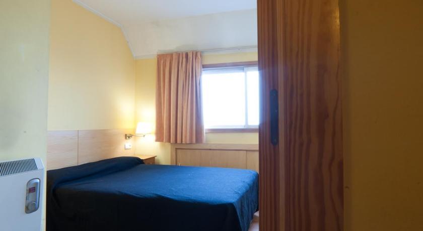 photos de l 39 h tel apartamentos k2 au pas de la case en andorre. Black Bedroom Furniture Sets. Home Design Ideas