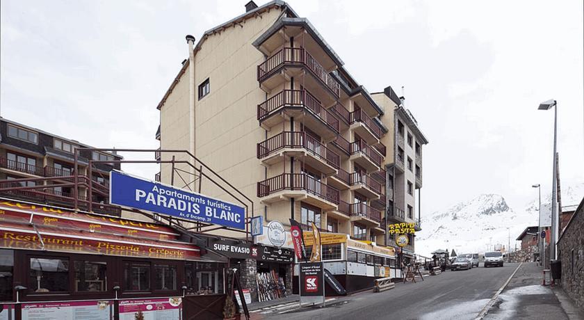 photos de l 39 h tel hotel sporting au pas de la case en andorre. Black Bedroom Furniture Sets. Home Design Ideas