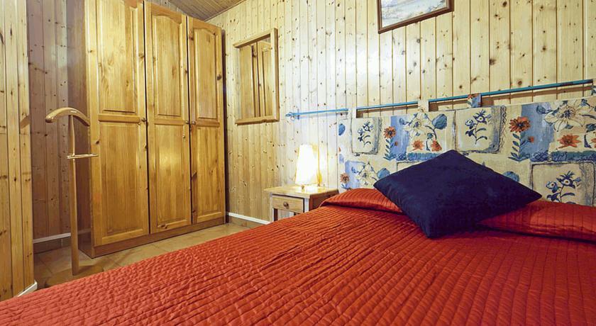 r servez l 39 h tel apartamentos calgary au pas de la case en andorre. Black Bedroom Furniture Sets. Home Design Ideas